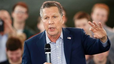 PHOTO: Ohio Gov. John Kasich speaks during a campaign stop on March 14, 2016, at the MAPS Air Museum in North Canton, Ohio.