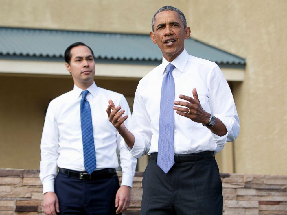 PHOTO: President Barack Obama, joined by Housing and Urban Development Secretary Julian Castro speaks outside a home in a housing development in Phoenix, on Jan. 8, 2015.