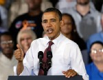 PHOTO: President Barack Obama speaks to workers about the economy during a visit to Daimler Detroit Diesel in Redford, Mich., Dec. 10, 2012.