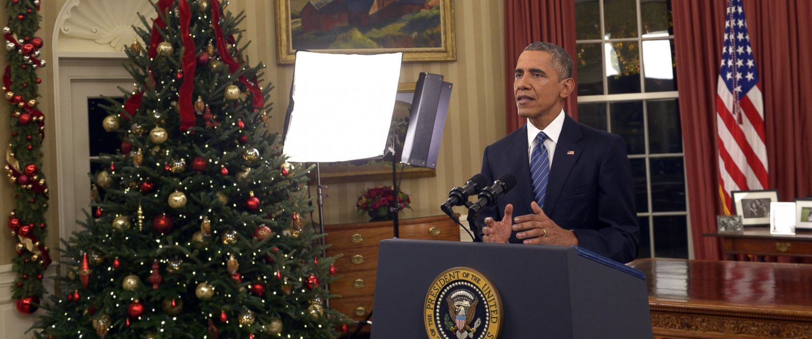 PHOTO: President Barack Obama addresses the nation from the Oval Office at the White House in Washington, Sunday night, Dec. 6, 2016.