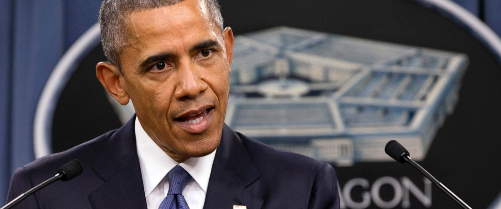 PHOTO: President Barack Obama speaks to the media after receiving an update from military leaders on the campaign against the Islamic State, during a rare visit to the Pentagon, July 6, 2015.