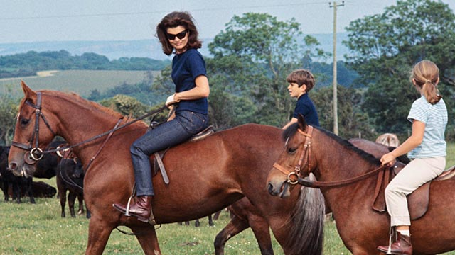 PHOTO: Jackie, John Jr. and Caroline Kennedy on horseback