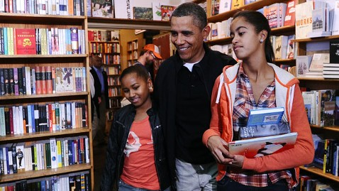 gty barack obama malia sasha kramerbooks jt 111126 wblog A Busy Day for the Obama Family