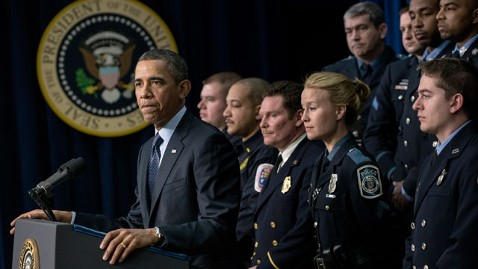 gty barack obama nt 130219 wblog DC Government Reviewing Firefighters Appearance With Obama