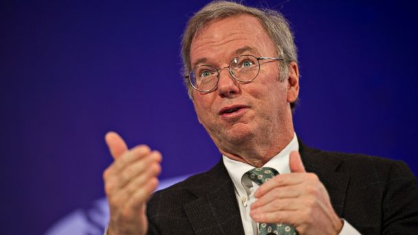 PHOTO: Eric Schmidt, executive chairman at Google Inc., speaks at the Bloomberg Year Ahead: 2014 conference in Chicago, Illinois, U.S., on Nov. 21, 2013.