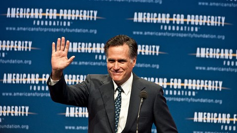 gty mitt romney jt 111119 wblog A Month Before the Caucus, Romney Opens Iowa Campaign Office