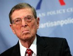 "PHOTO: Former New Mexico Senator Pete Domenici revealed Wednesday he fathered a son in an extramarital affair with another senators daughter over 30 years ago and he has kept the secret hidden since then, only telling his own family the last ""several mon"
