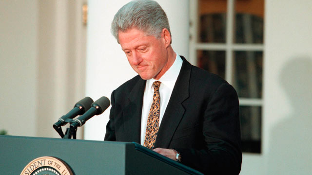 PHOTO: President Clinton walks back to the Oval Office after he apologized to the country for his conduct in the Monica Lewinsky affair and said he would accept a Congressional censure or rebuke.