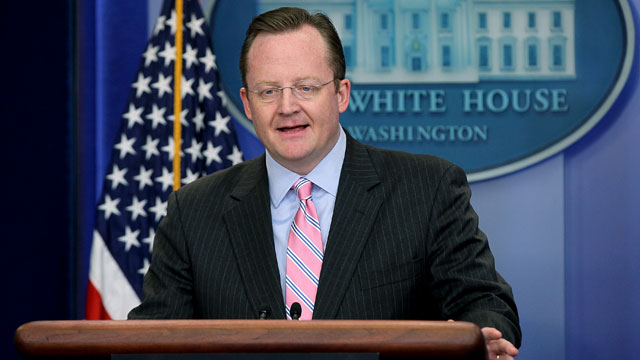PHOTO: White House Press Secretary Robert Gibbs speaks during a daily briefing on Feb. 2, 2011 at the White House.