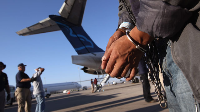 PHOTO: Obamas illegal-immigrant crackdown fills prisons with Hispanics