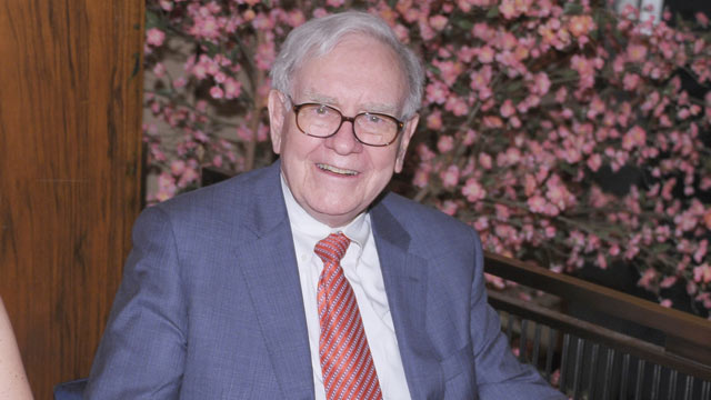 """PHOTO: Warren Buffett attends the """"Too Big To Fail"""" New York Premiere after party at the Four Seasons Restaurant, May 16, 2011, New York City."""