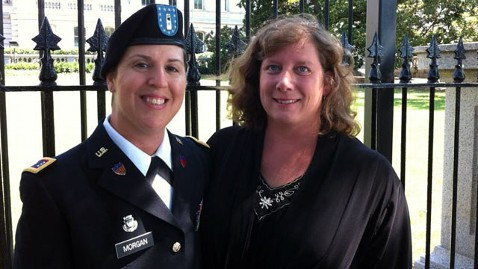 ht Morgans at White House nt 120615 wblog Army Mom, Openly Serving, is Face of Pentagon Pride