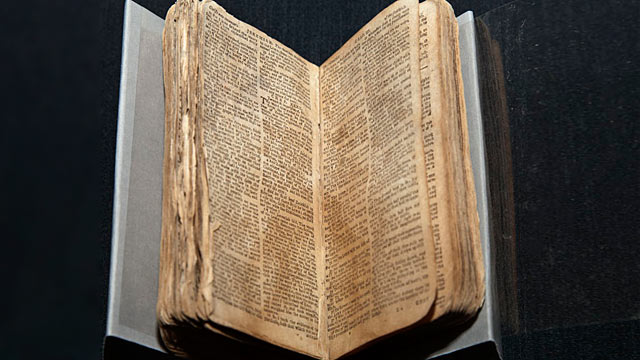 PHOTO: Bible
