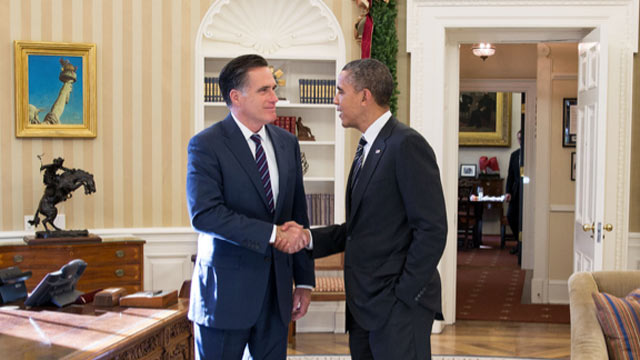 PHOTO: President Barack Obama and former Massachusetts Gov. Mitt Romney talk in the Oval Office following their lunch, Nov. 29, 2012.