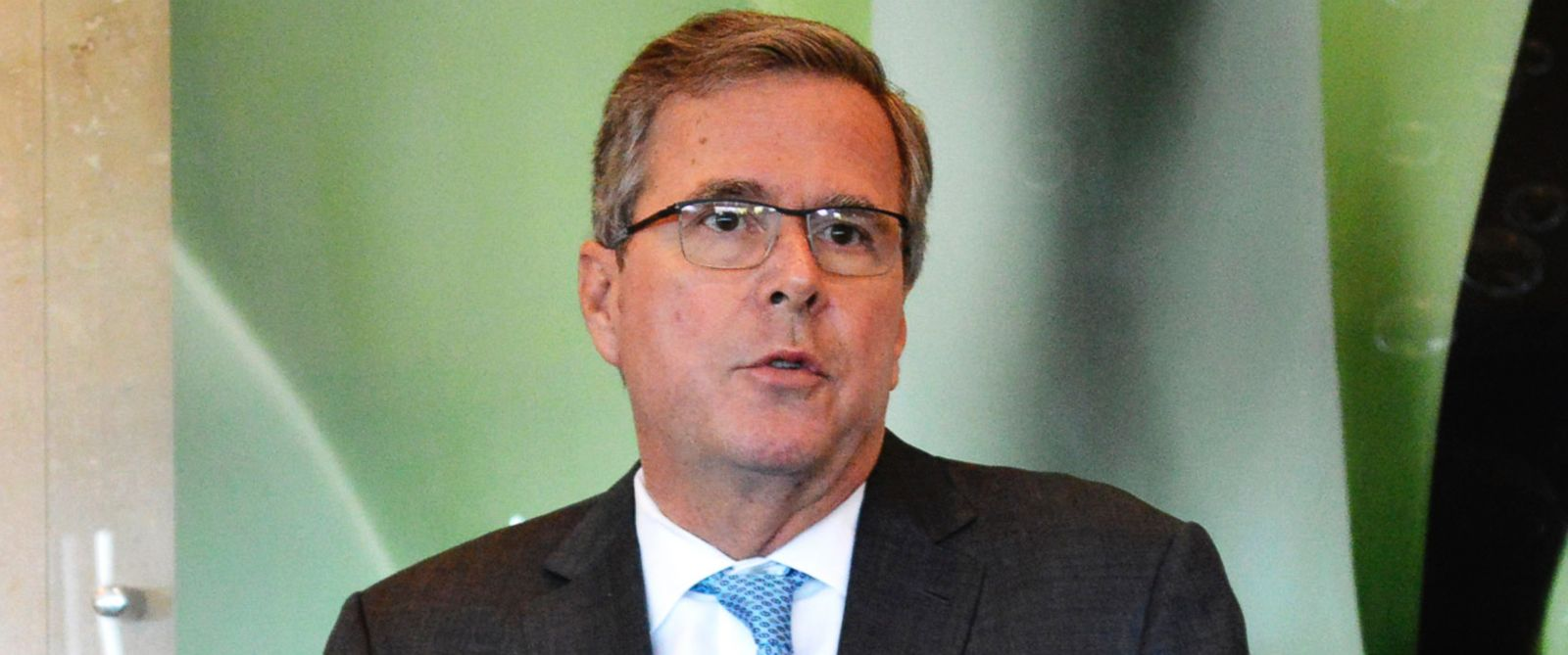 PHOTO: Jeb Bush speaks at a fund-raising luncheon in Tallahassee, Fla. on Feb. 10, 2015.