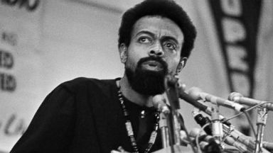 PHOTO: Poet and social activist Amiri Baraka speaks during the Black Political Convention in Gary, Ind., March 12, 1972.