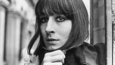 PHOTO: Film actress Anjelica Huston with a daffodil in her buttonhole, April 26, 1971.