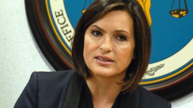 PHOTO: Mariska Hargitay attends the Sexual Assault Kit Evidence Submission Act press conference at Frank Murphy Hall of Justice, March 10, 2014, in Detroit.
