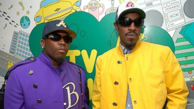 "PHOTO: In this file photo, Outkasts Big Boi, left, and Andre 3000, right, visit MTVs ""TRL"" on Aug. 22, 2006 in New York City."