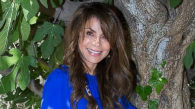PHOTO: Paula Abdul poses next to an olive tree in the esate garden of President Shimon Peres, Oct. 29, 2013, in Jerusalem.