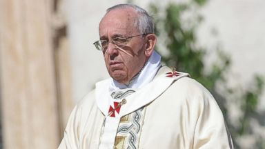 PHOTO: Pope Francis holds Easter Mass in St. Peters Square on April 20, 2014 in Vatican City.