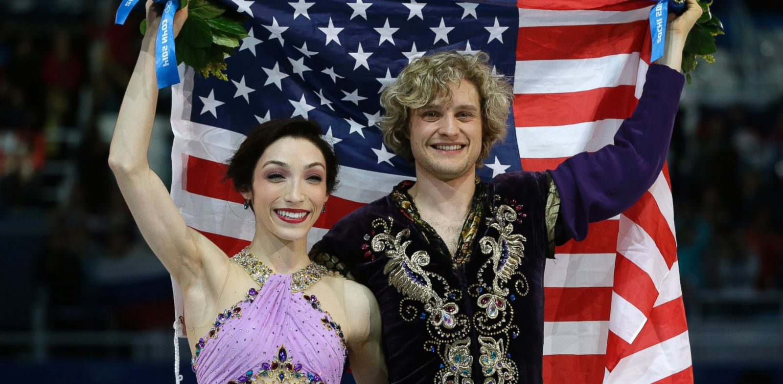 PHOTO: Meryl Davis and Charlie White of the United States