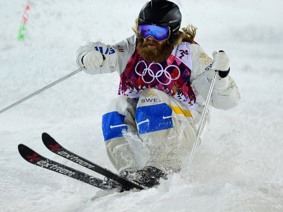 PHOTO: Swedens Per Spett competes in the Mens Freestyle Skiing Moguls finals