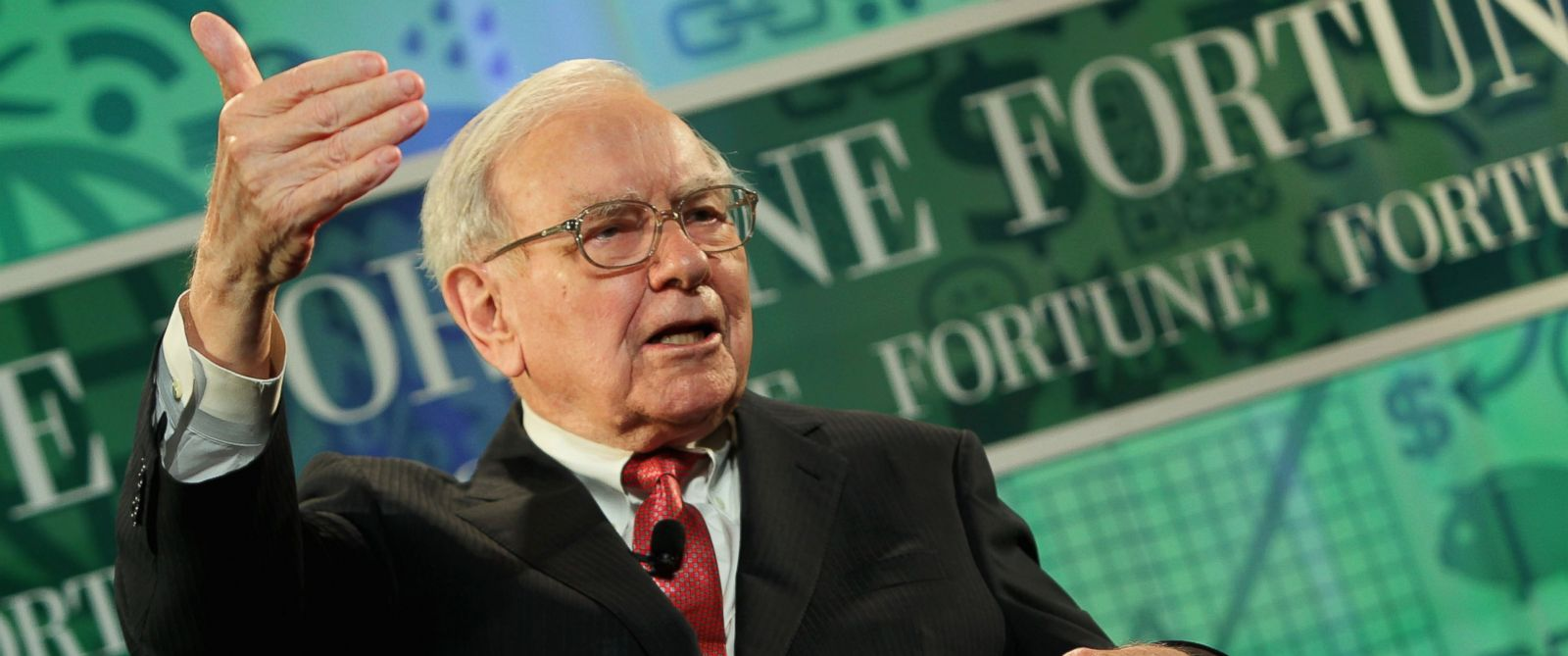 PHOTO: Warren Buffett is pictured on Oct. 16, 2013 in Washington, D.C.