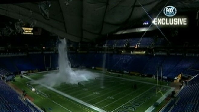VIDEO: Security video captured the moment the roof on Minneapolis Metrodome gave way.