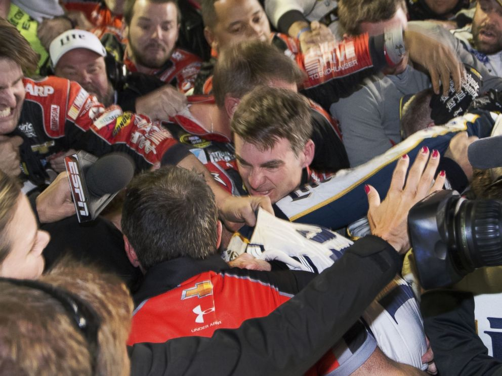 PHOTO: Jeff Gordon is in the middle of a fight after the NASCAR Sprint Cup Series auto race at Texas Motor Speedway in Fort Worth, Texas, Nov. 2, 2014.
