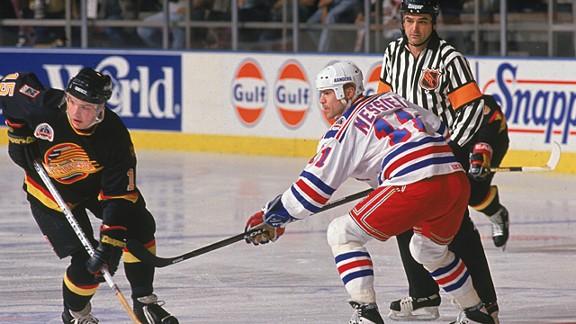 Canadian hockey player Mark Messier