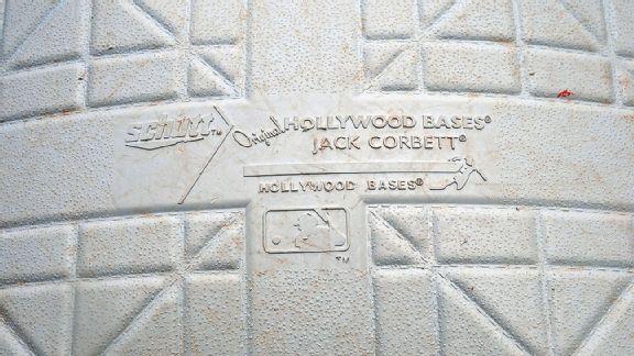 Schutt Original Hollywood Bases base