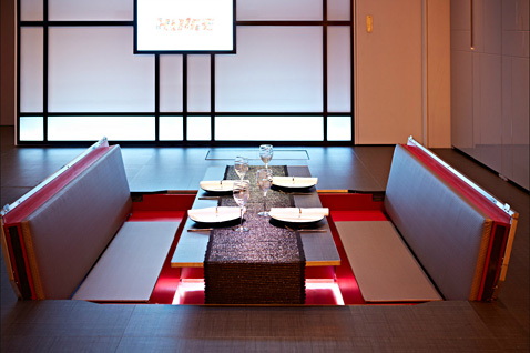 6 yo home dining section ll 121121 wblog Yo! Home: The Convertible Apartment