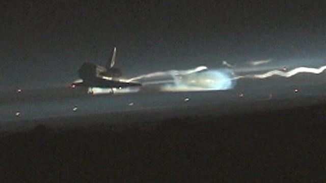 VIDEO: NASAs 30-year program ends with landing of Atlantis in Florida.