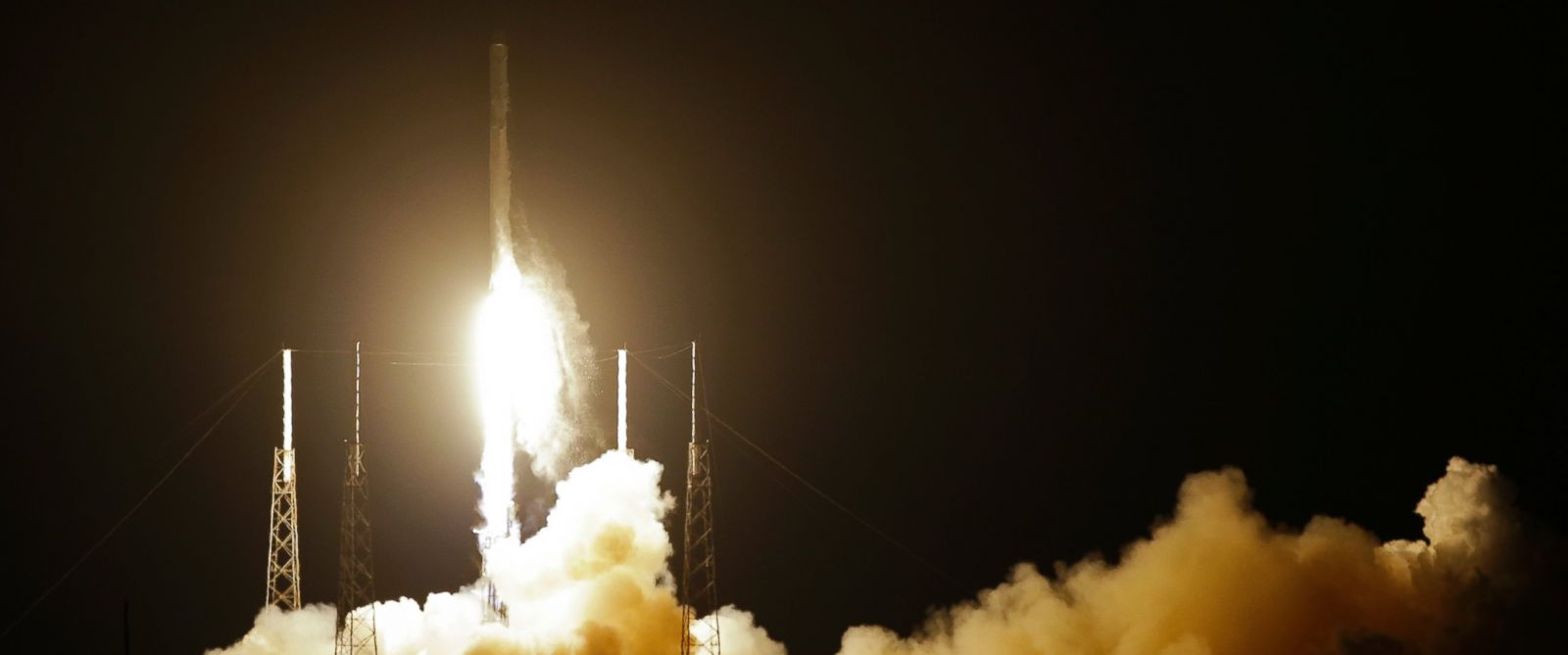 PHOTO: The Falcon 9 SpaceX rocket lifts off from Space Launch Complex 40 at the Cape Canaveral Air Force Station in Cape Canaveral, Fla., Jan. 10, 2015.