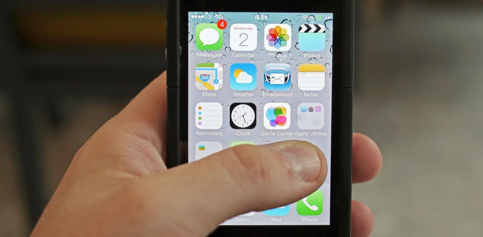 PHOTO: A general view of an Iphone running iOS7, Oct. 2, 2013. Picture date: Wednesday October 2, 2013.