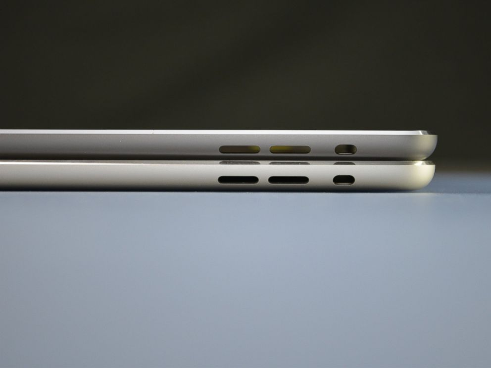 PHOTO: Purported photos of the fifth generation iPad in space gray.
