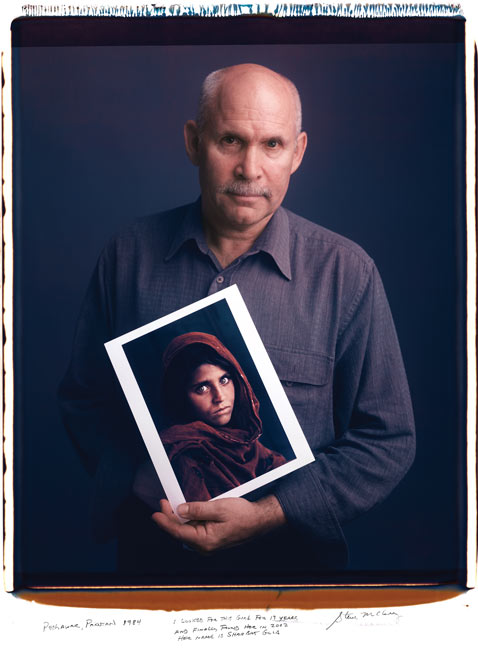 Steve McCurry NatGeoCover mantoani thg 120124 wblog Photographers Exposed: Behind Photographs