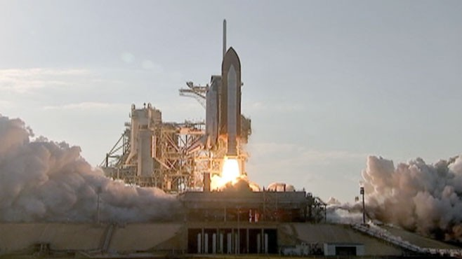 VIDEO: After 3 decades of space exploration NASA sends Discovery on its last mission.