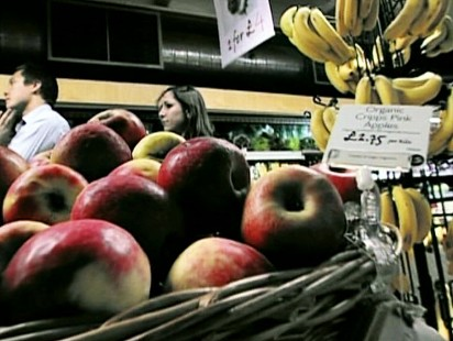 Video: Study shows that buying organic food isnt healthier.