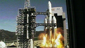 Photo: Spy Satellite Launch Shakes Up California: Delta IV Heavy Rocket Launched from Vandenberg Air Force Base