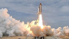 PHOTO: The space shuttle Atlantis launches July 8, 2011.