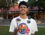 PHOTO: Stanford student, Sir Ravi the Juggler, solves the Rubiks Cube while juggling.