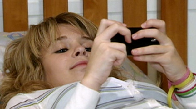 Video: Texting teens getting less sleep.
