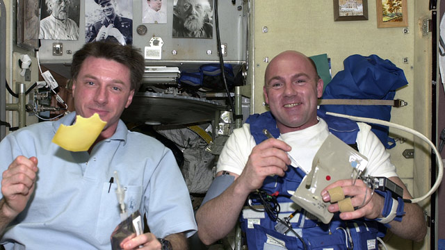 PHOTO: Astronauts and Food
