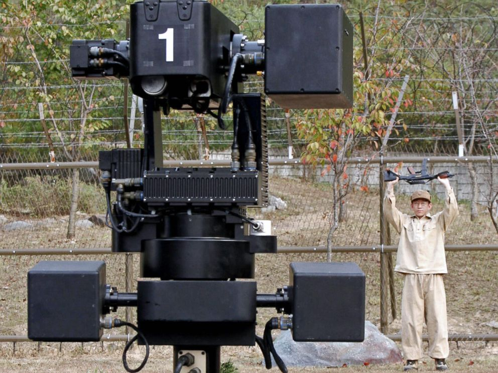 PHOTO: In 2010, South Korean officials announced the installation of several semi-autonomous robotic machine guns along the border with North Korea, similar to this one seen during testing in Cheonan in September, 2006.