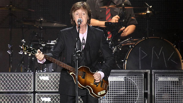 PHOTO: Sir Paul McCartney performs on stage at The Liverpool Echo Arena, December 20, 2011 in Liverpool, United Kingdom.