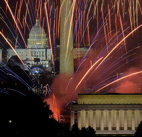 gty washington dc fireworks 147186507 ll 120703 wblog How to Photograph Fireworks: Tips for Capturing Some Great Memories
