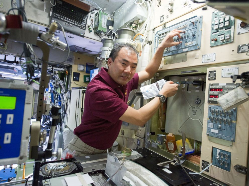 PHOTO: Life aboard the International Space Station