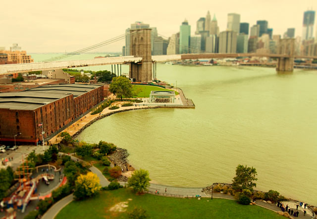 ht new york dumbo ll 120211 wblog CityShrinker: Metropolises in Miniature